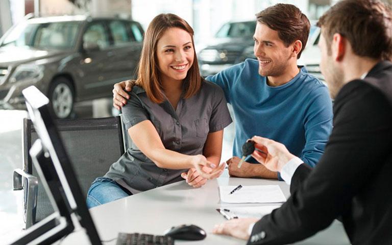 Saiba o que esperar do momento de retirada e devolução do carro para ter uma experiência incrível na sua locação!