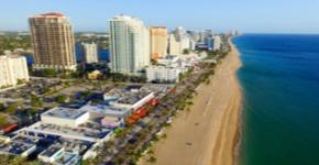 Que tal se afastar um pouco dos parques temáticos de Orlando para aproveitar as lindas praias da cidade?