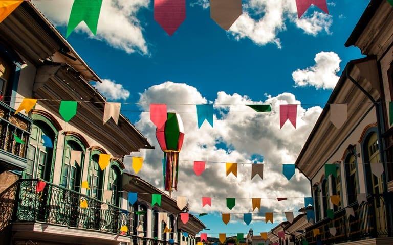 Veja 6 destinos no nordeste com Festas Juninas que estão prontas para te receber!